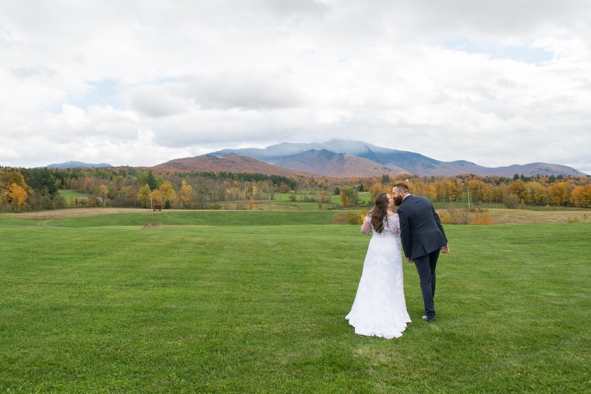 unposed and candid wedding photos in Vermont 1