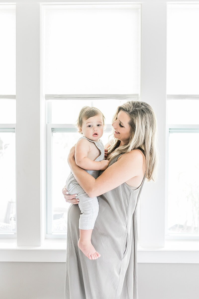 Mount-Pleasant-Maternity-Session-In-Home-Lifestyle_0044