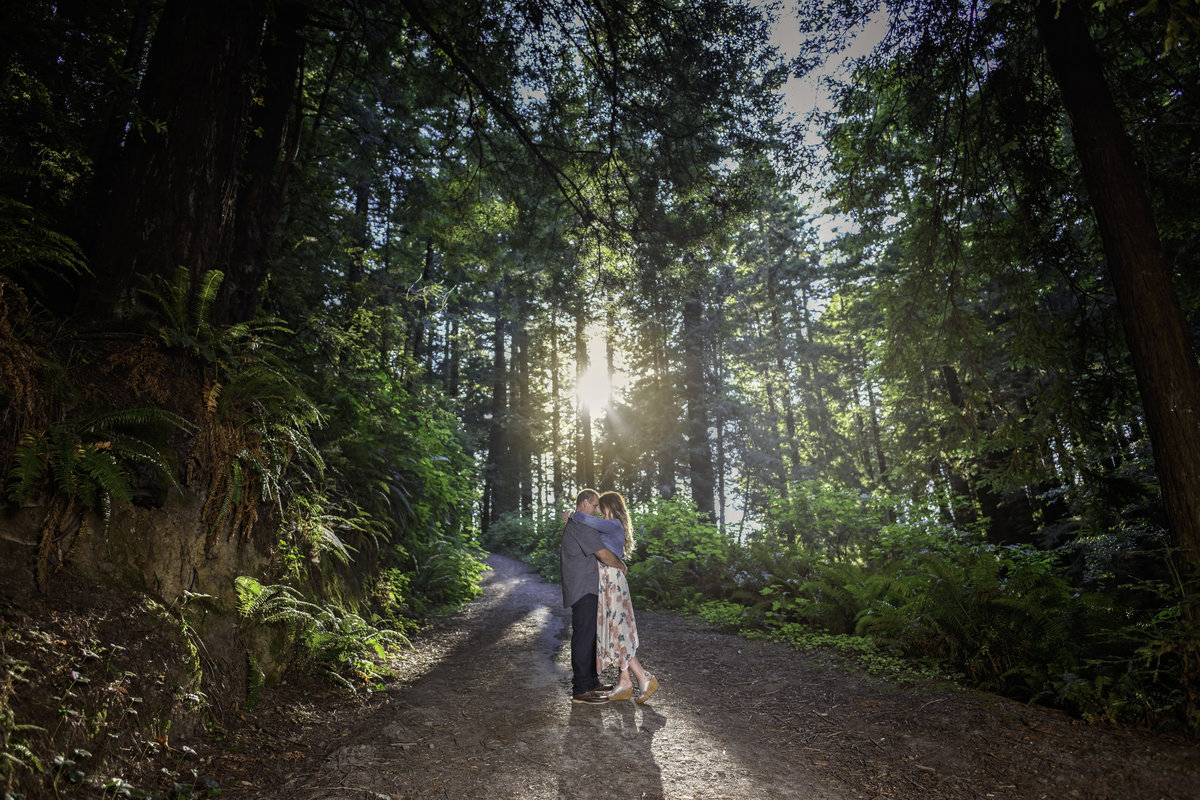 Redway-California-engagement-photographer-Parky's-Pics-Photography-Humboldt-County-redwoods-Avenue-of-the-Giants-Humboldt-Redwoods-State-Park-engagement11.jpg