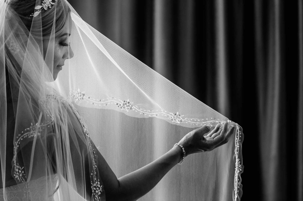 bride portrait at hotel indigo in el paso by stephane lemaire photography