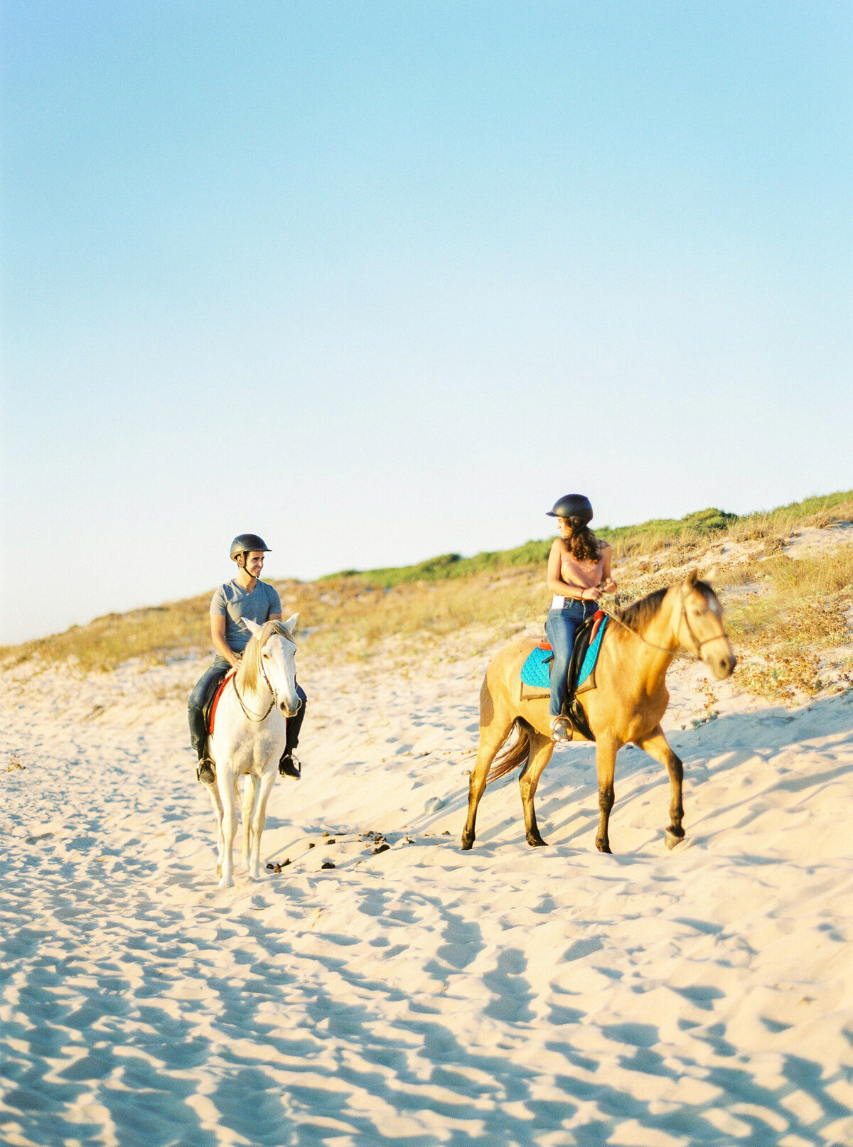 beach_horseback_riding_wedding_proposal-23