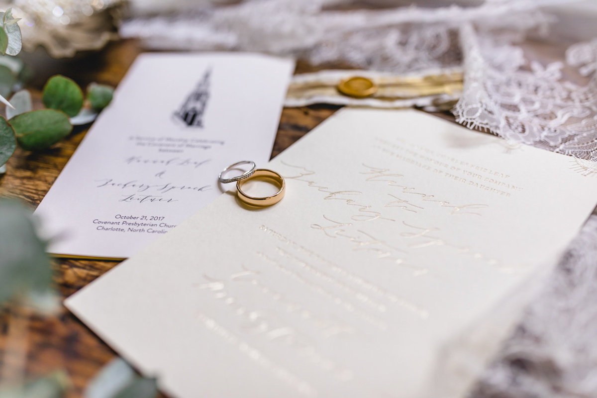 2019_Wedding_Site_Rings&Ribbons_spreads-11