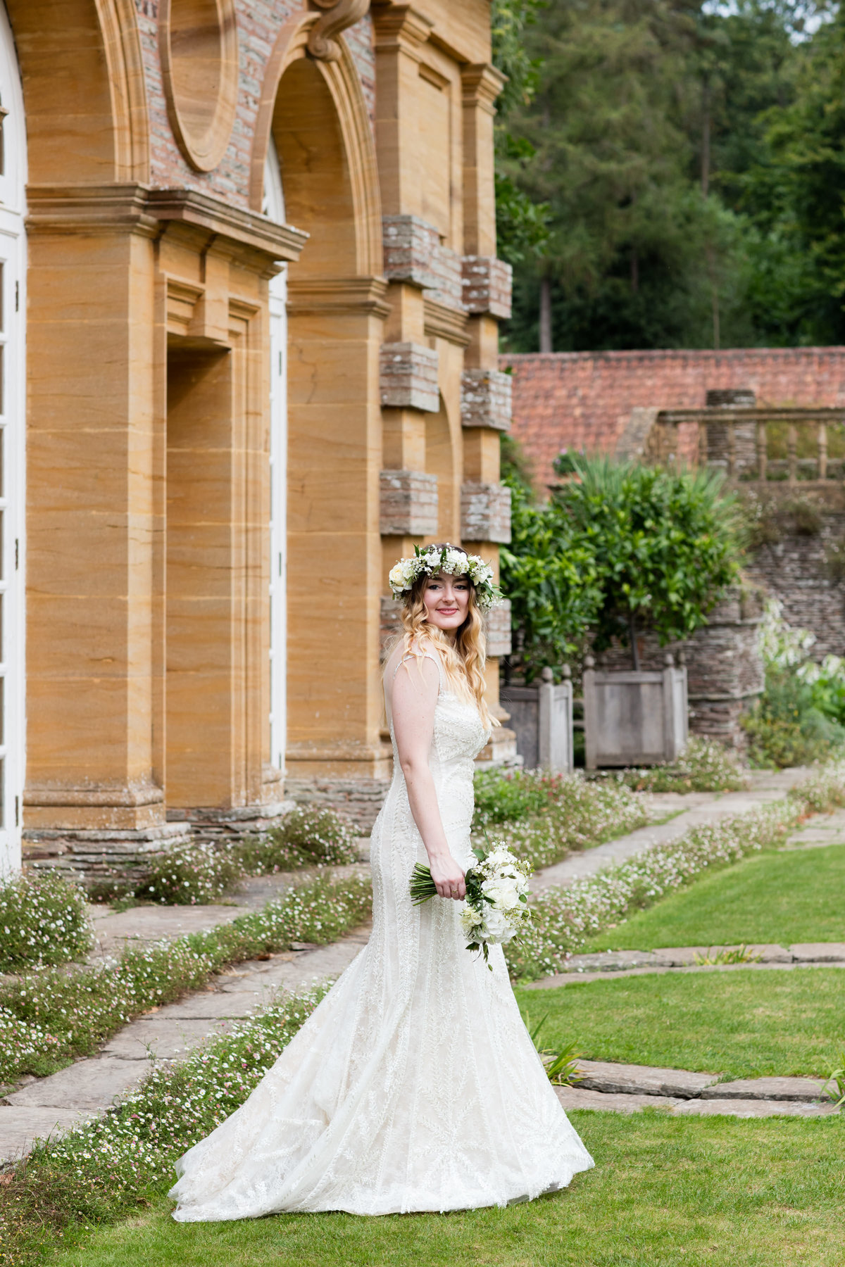 boho bride at hestercombe