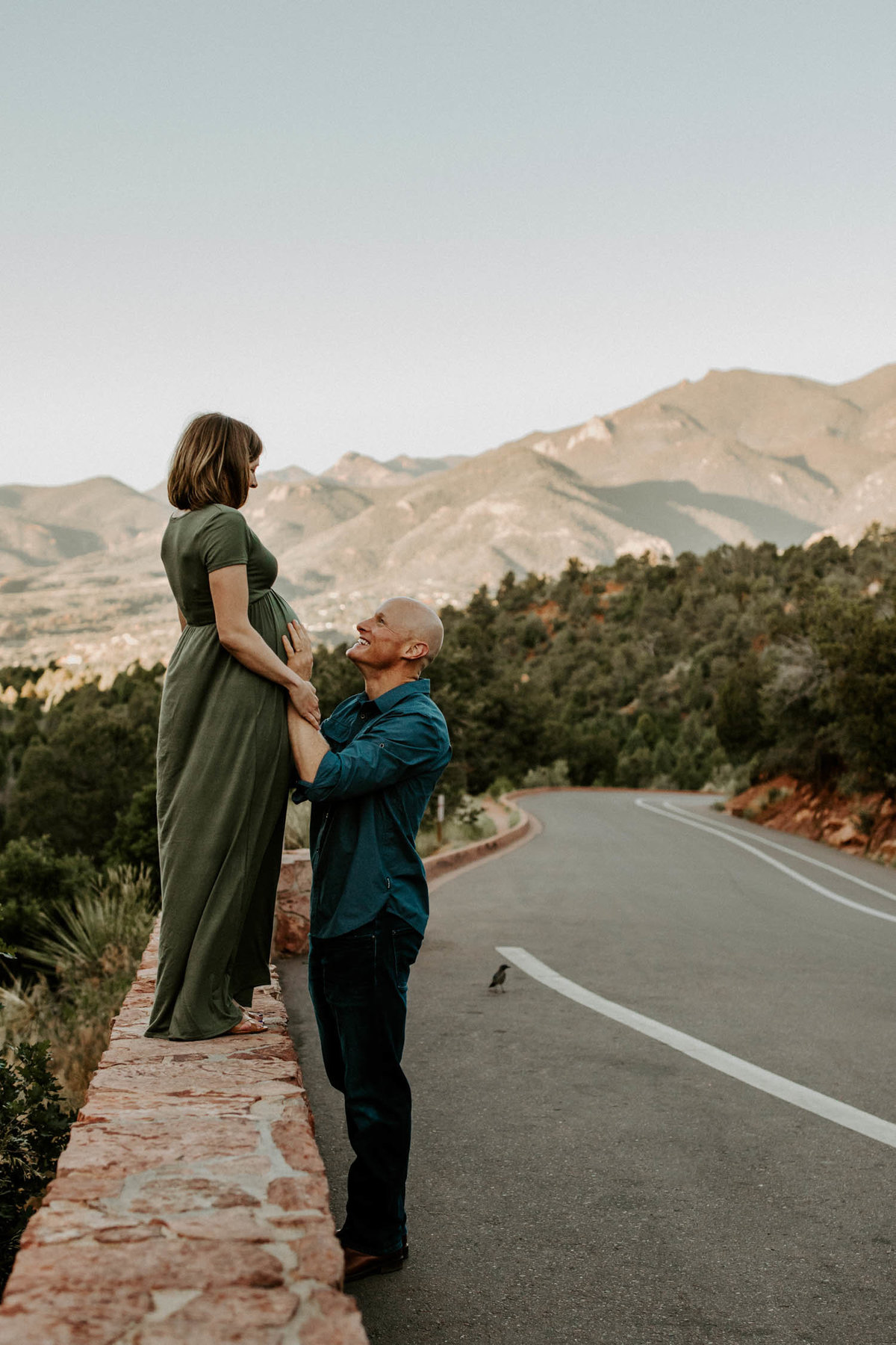 colorado-springs-garden-of-the-gods-sunrise-couples-adventure-session-colorado-elopement-photographer-11