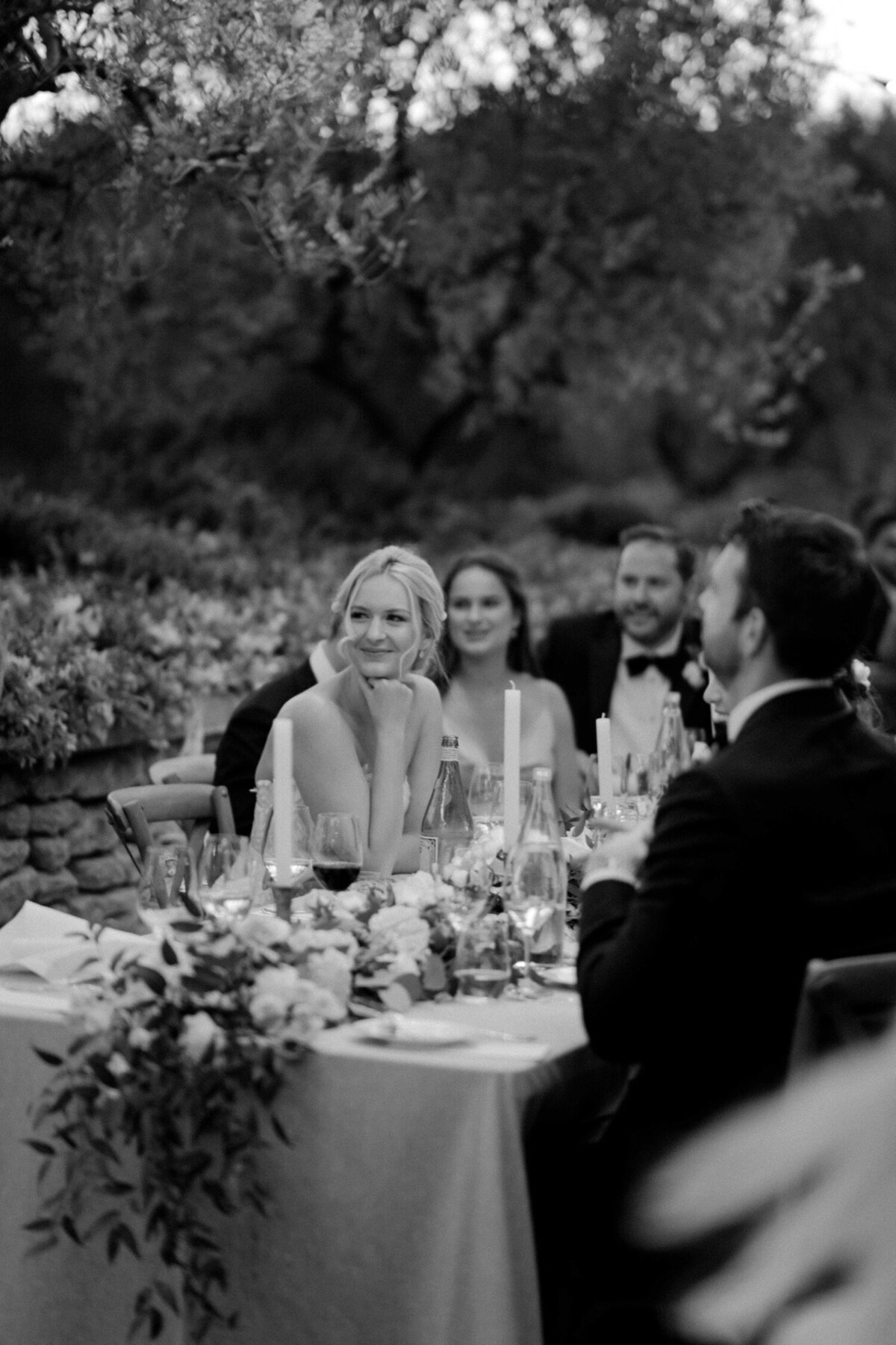 213_Bastide_de_Gordes_Luxury_Wedding_Photographer (215 von 263)