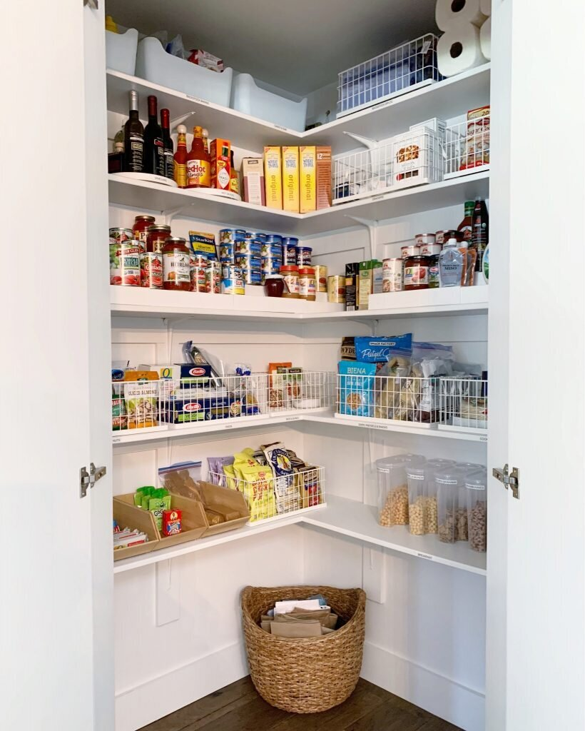 white-pantry-by-samantha-pregenzer-820x1024