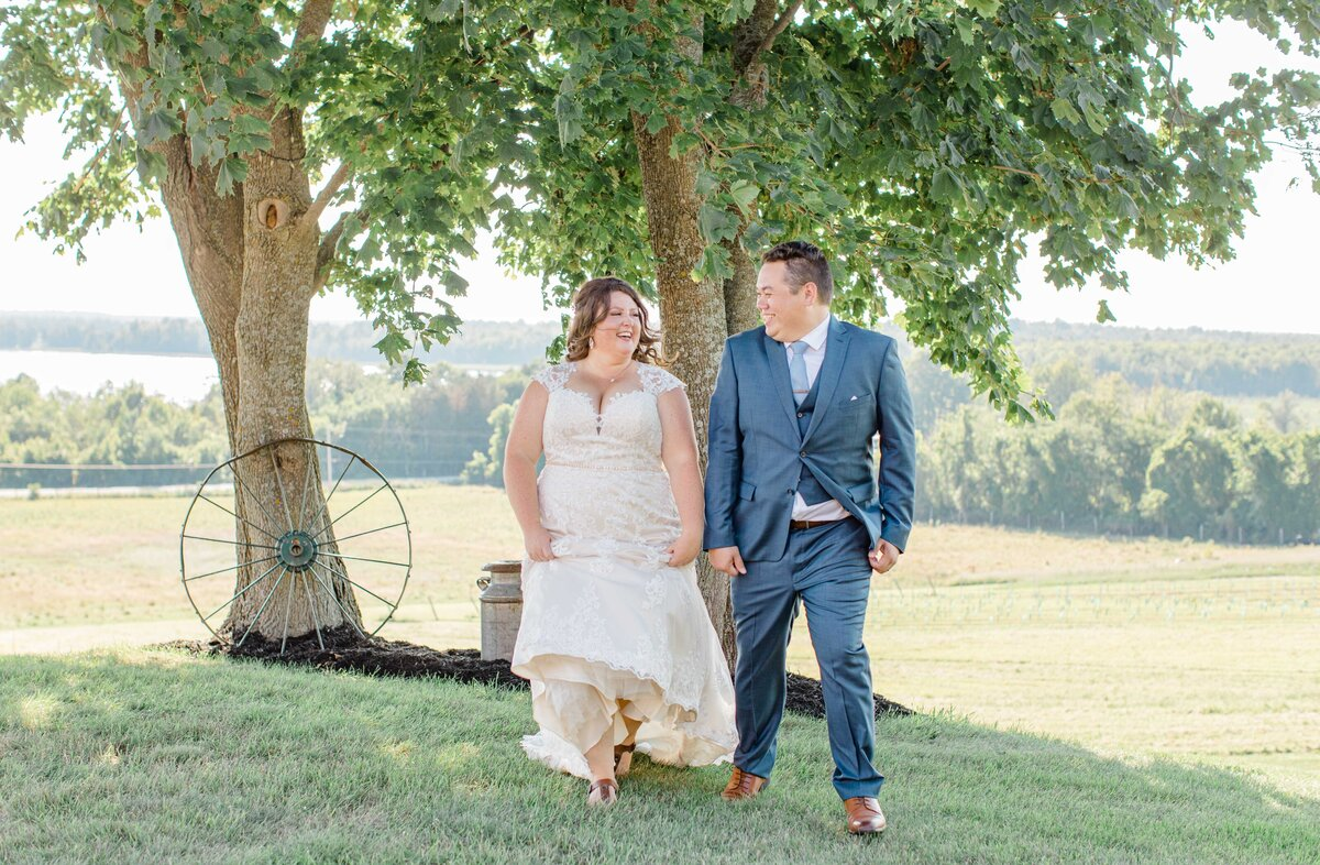 laura-ben-campbell-farm-white-lake-wedding-grey-loft-studio-2020-164