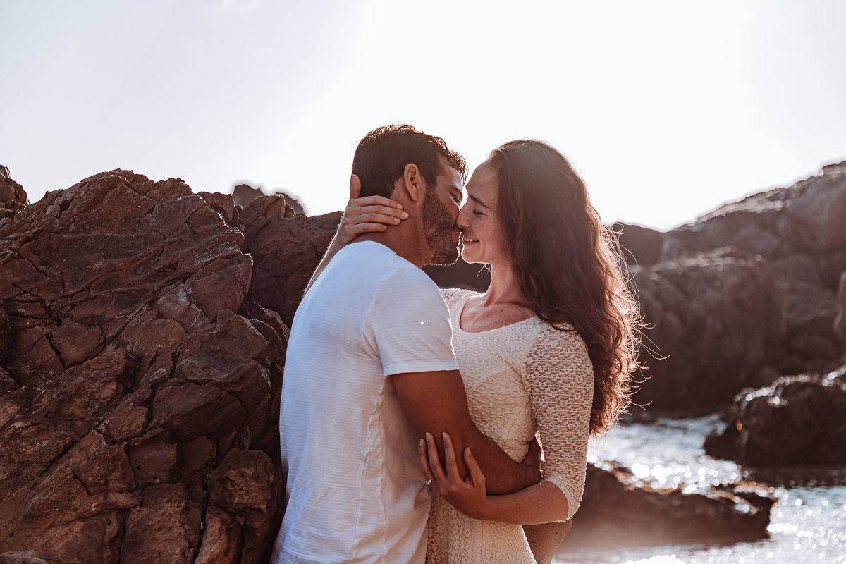 corona-del-mar-romantic-adventurous-engagment-session
