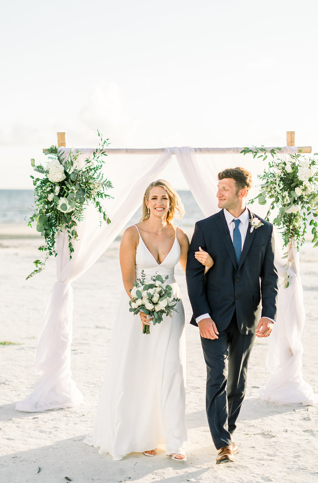 alex-mike-bowditch-beach-fort-myers-wedding-photos-1247