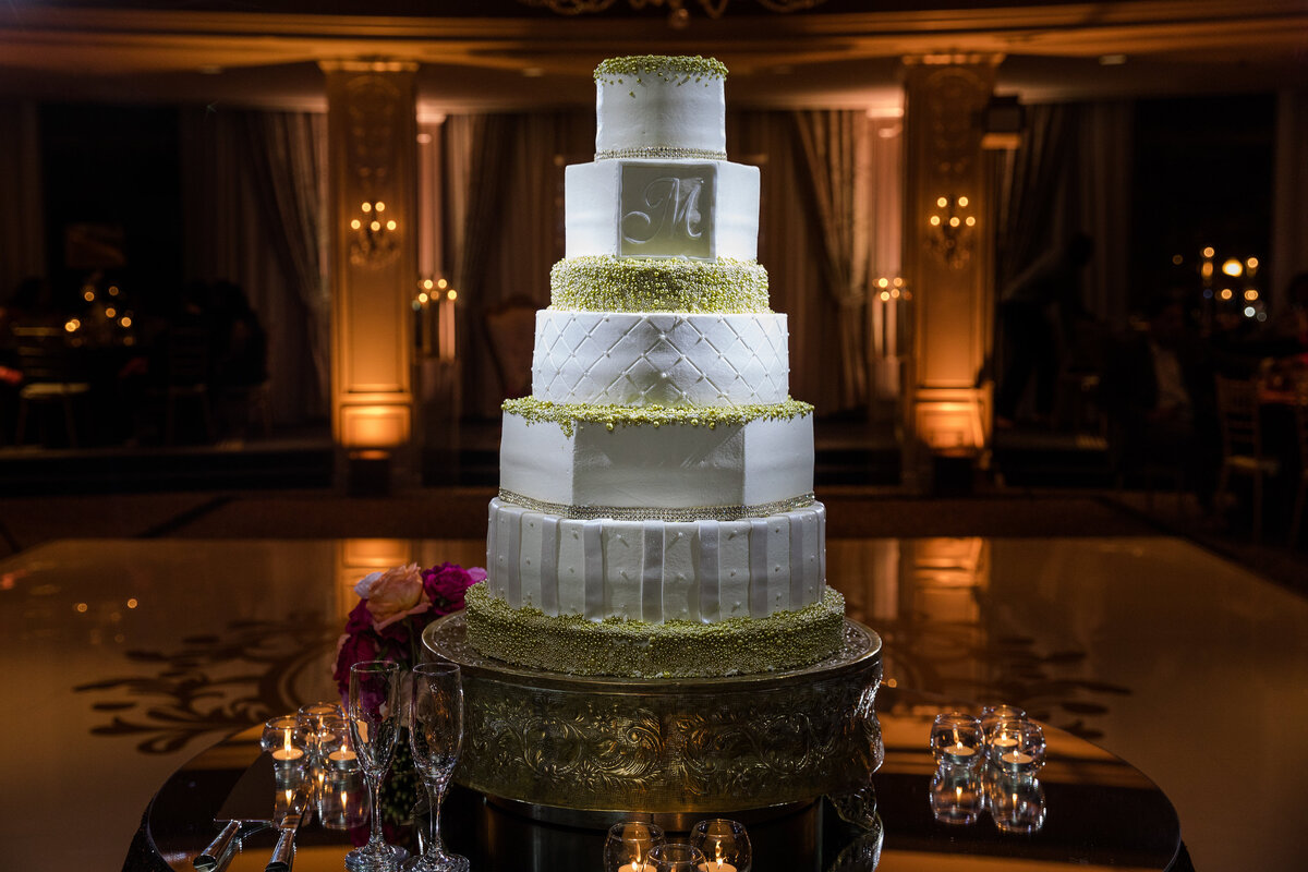 34thstreetevents-hotelzaza-couture wedding cake