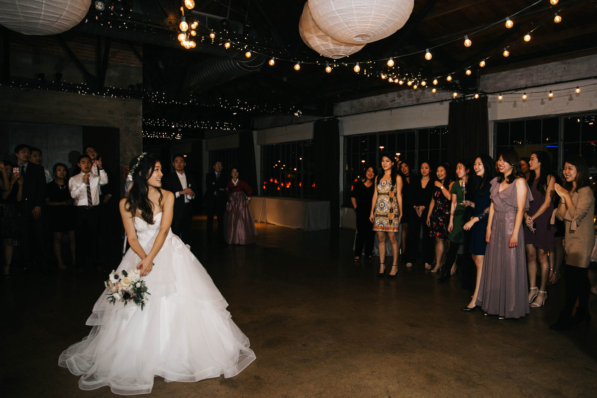 Dallas-Downtown-wedding-at-Hickory-Street-Annex-by-Julia-Sharapova-Photographer-227