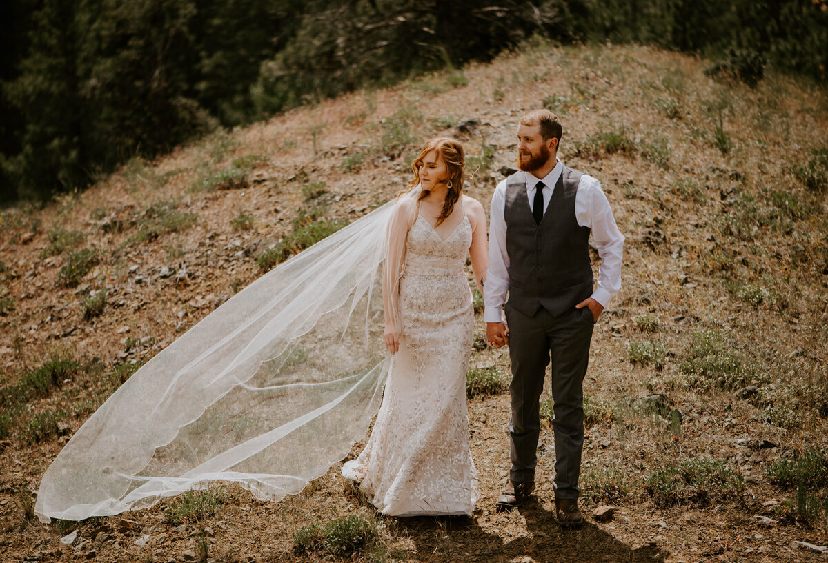 ochoco-forest-central-oregon-elopement-pnw-woods-wedding-covid-bend-photographer-inspiration2235