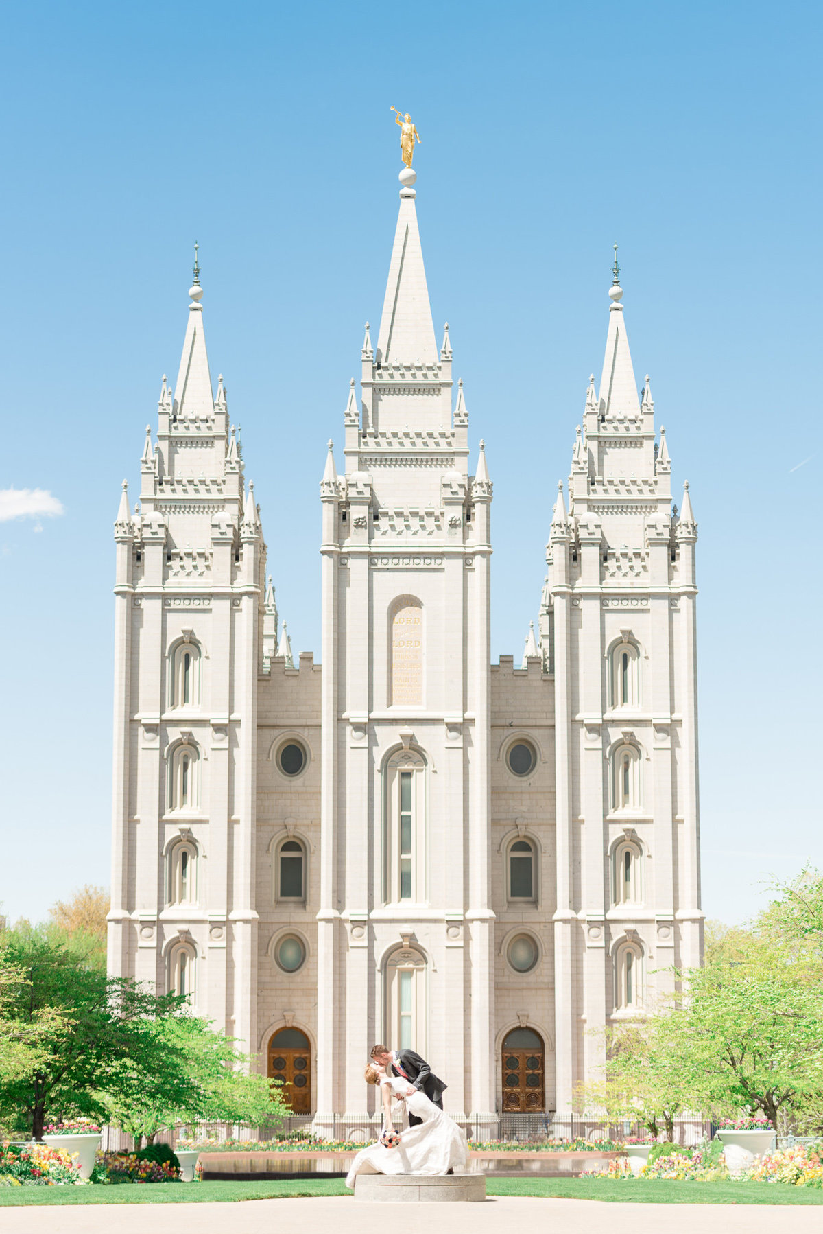 Utah Wedding Photographers - Salt Lake temple Wedding (14)