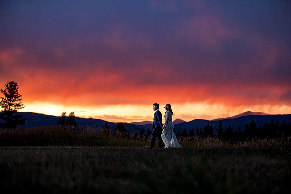 Granby-Colorado-Strawberry-Creek-Ranch-Wedding-Fire-on-the-Mountain-Wedding-Pops-of-Color-Fire-hot-colors-amazing-sunset-and-skies