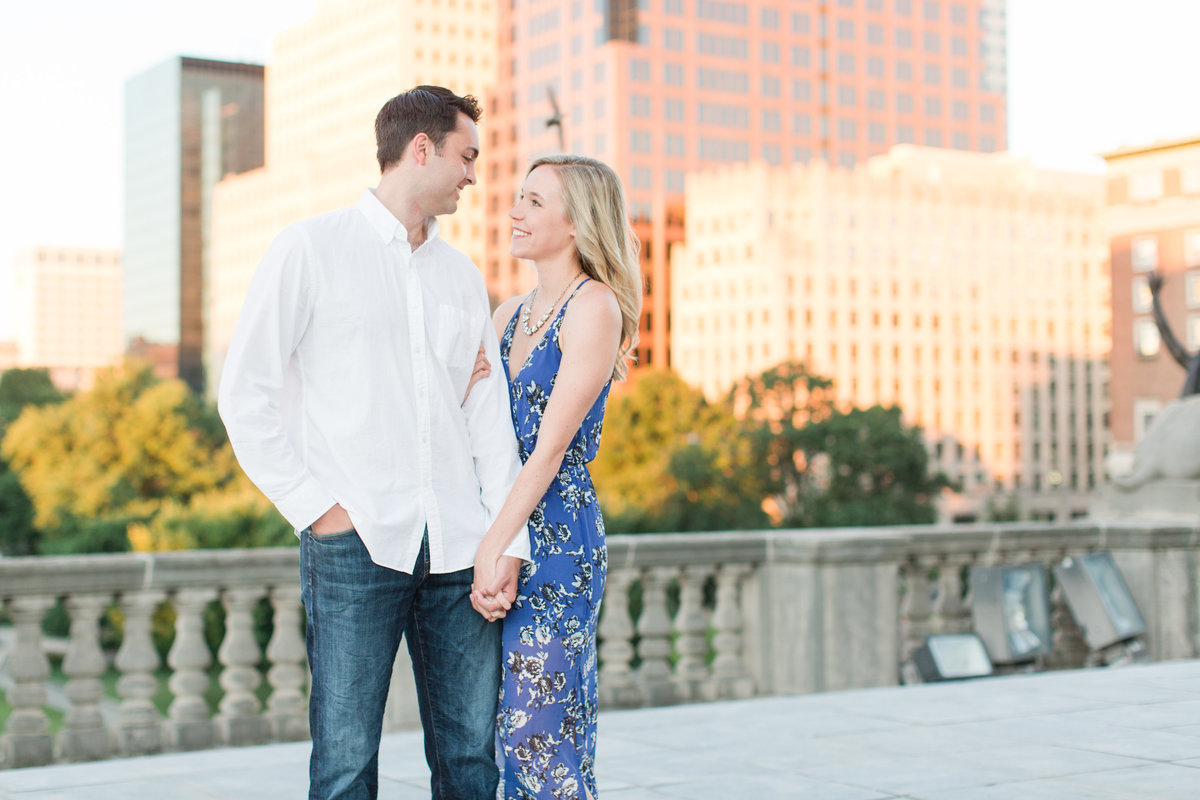 Indianapolis War Memorial Downtown Engagement Session Sunrise Sami Renee Photography-3