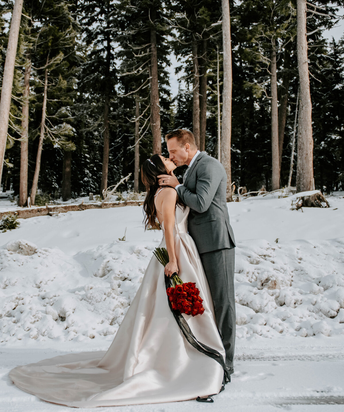 mt-bachelor-snow-winter-elopement-bend-oregon-wedding-photographer-2168