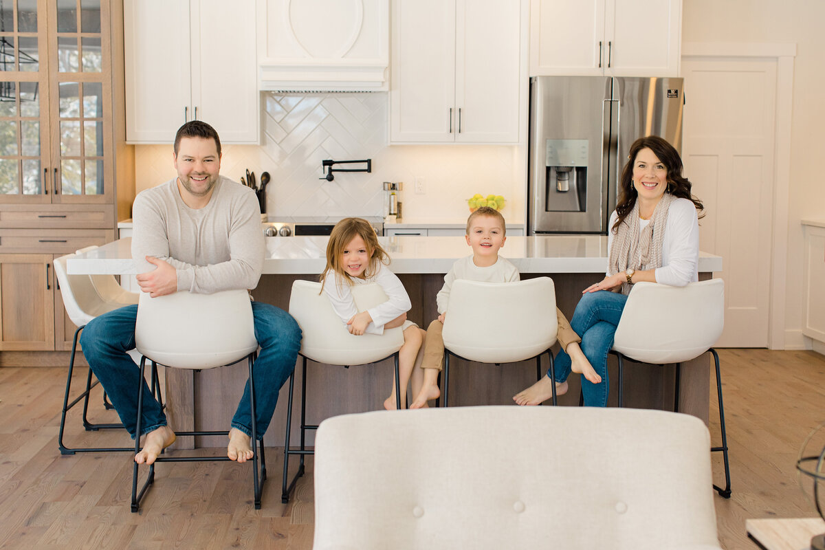 family-lifestyle-session-mackie-homes-carp-white-beige-neutral-themed-greyloftstudio-ottawa-120