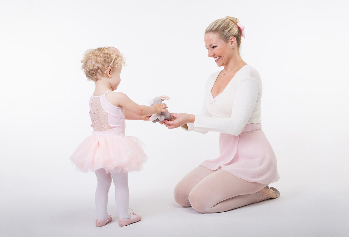 Dance With Miss Anna | SF Bay Area Toddler Dance Classes