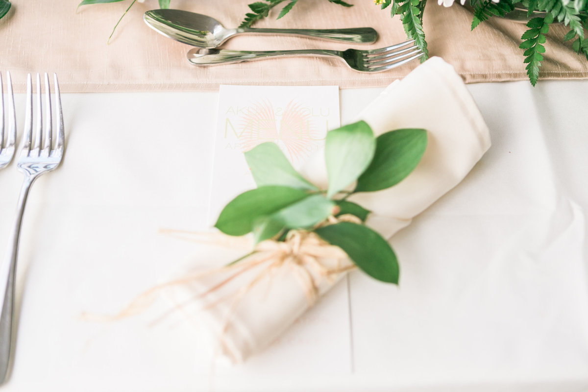 Natural table setting for Barbados destination wedding