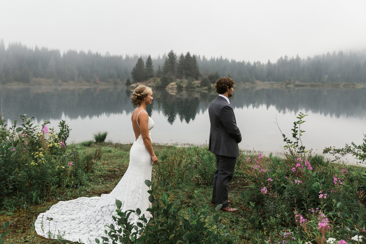 Snoqualmie-Pass-Elopement-Gold-Creek-Pond-11