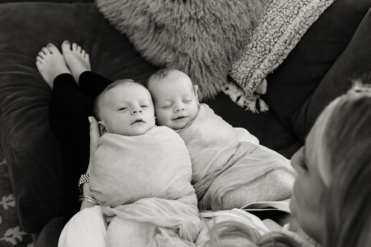 Wouk05-baby-twins-photos-home-st-louis-photographer