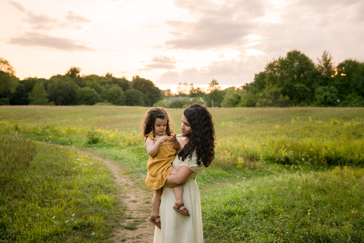 Boston-family-photographer-bella-wang-photography-Lifestyle-session-outdoor-wildflower-104