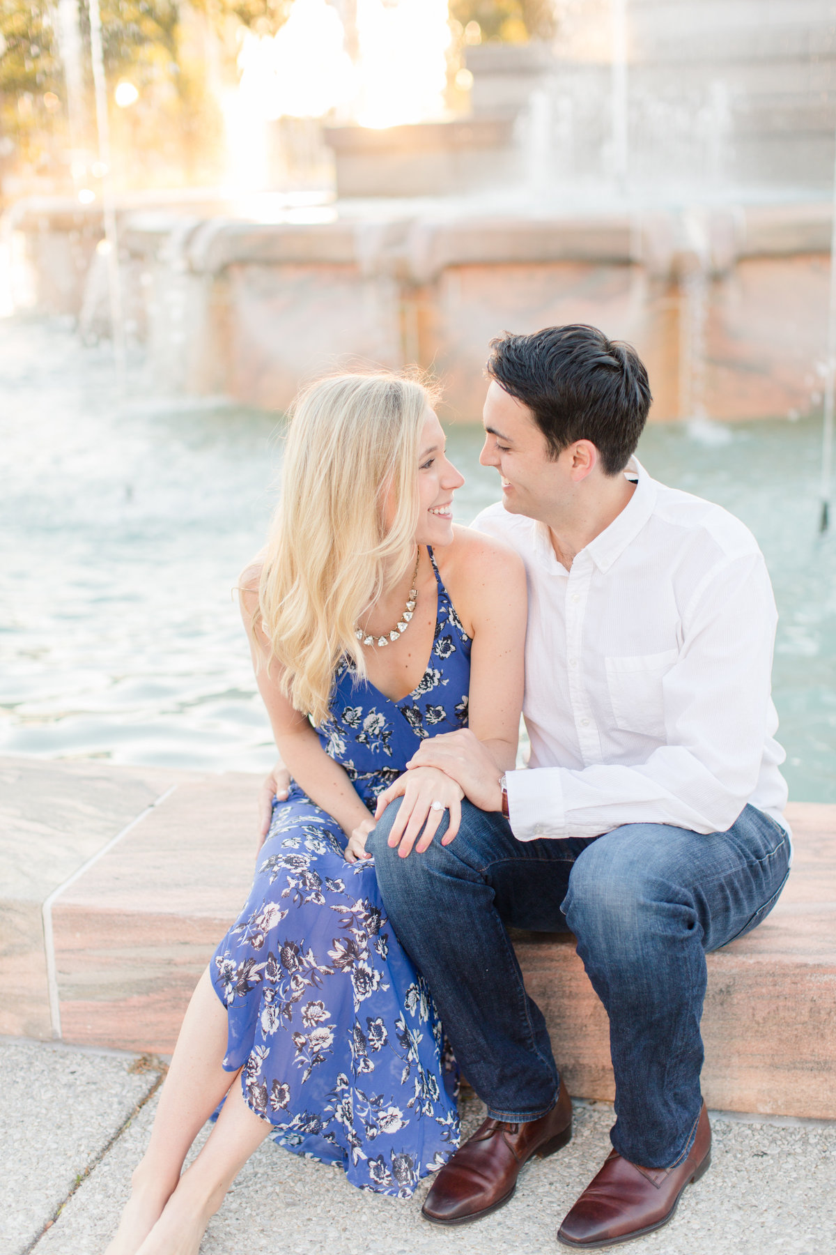 Indianapolis War Memorial Downtown Engagement Session Sunrise Sami Renee Photography-12
