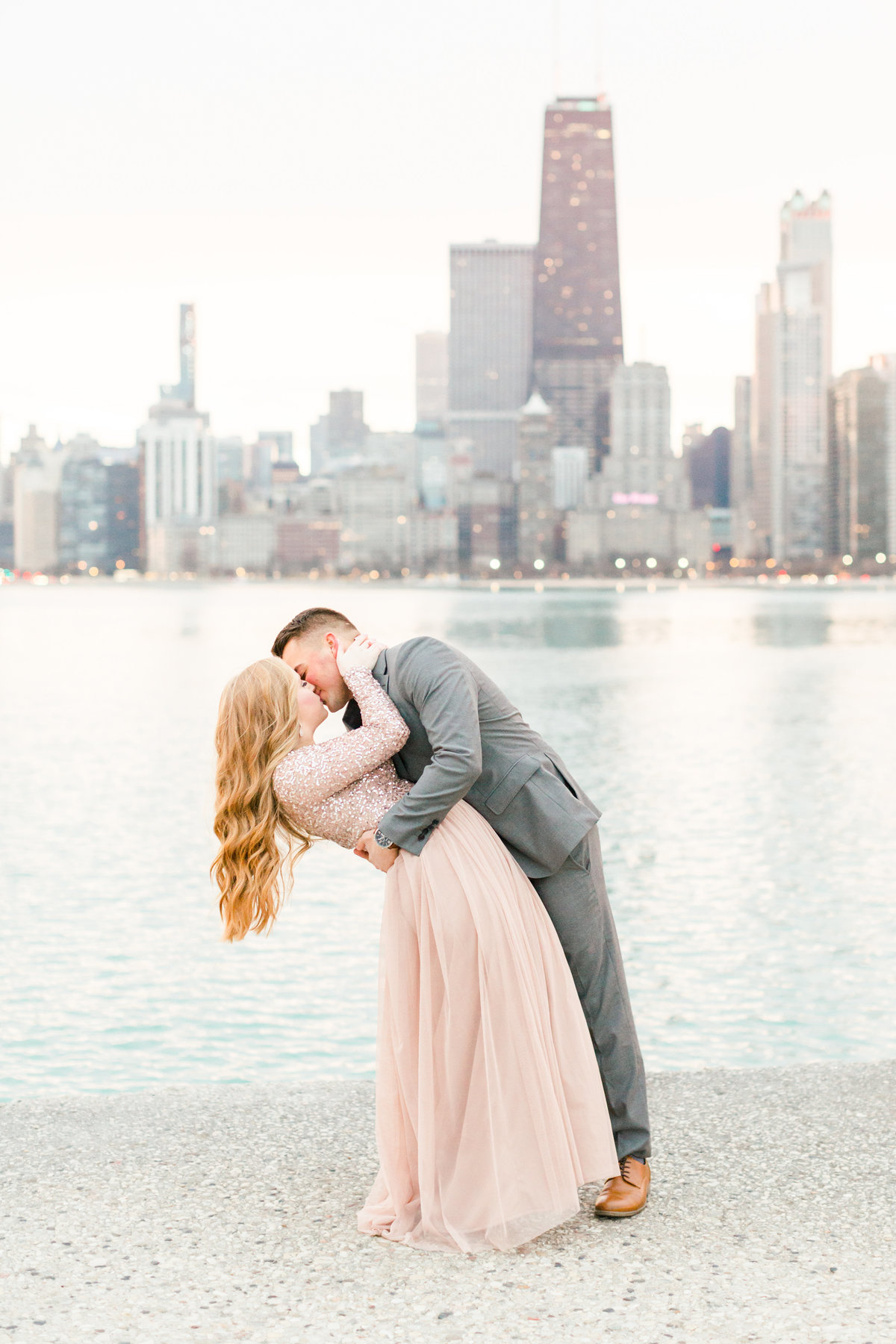 lindsey-taylor-photography-north-avenue-beach-chicago-engagement-photographer21