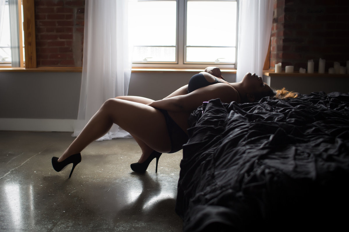 Hampton Roads Virginia Boudoir Photographer