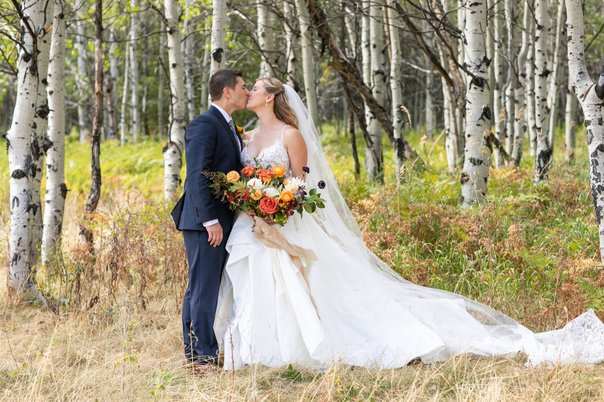 Utah Florist_Sundance_wedings_Orange Bouquet_Luxe Mountain_Weddings_Artisan Bloom--7