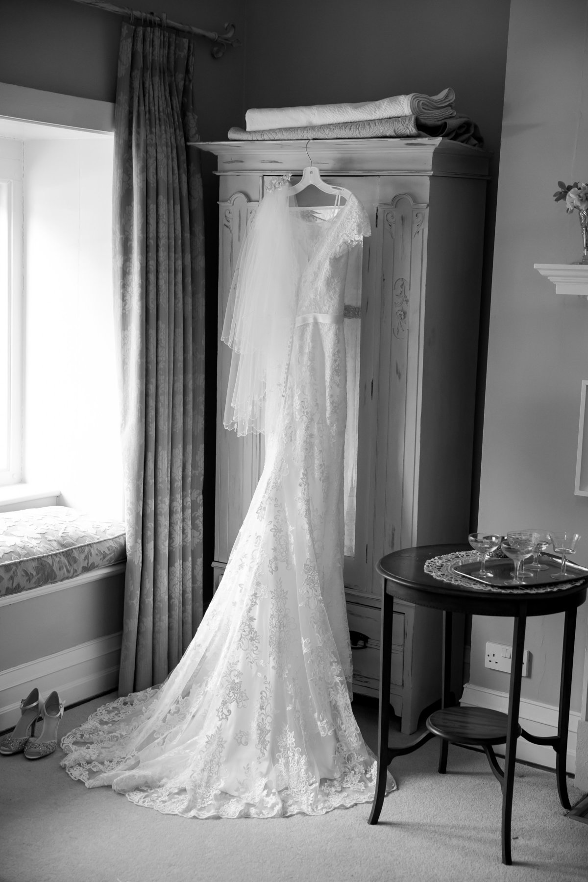coombe trenchard wedding photographer dress photo
