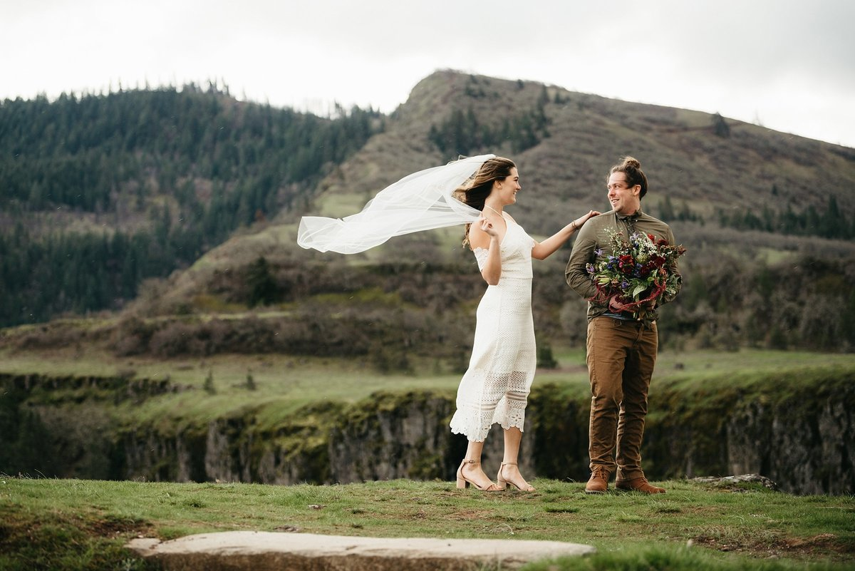 Portland-Oregon-elopement-photographer