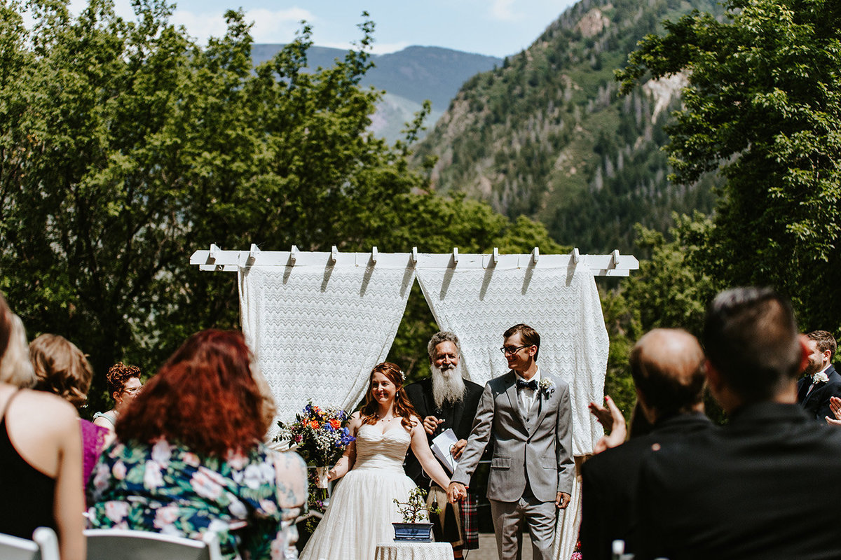wedding couple at Avalanche Ranch Hot Springs in Redstone Colorado