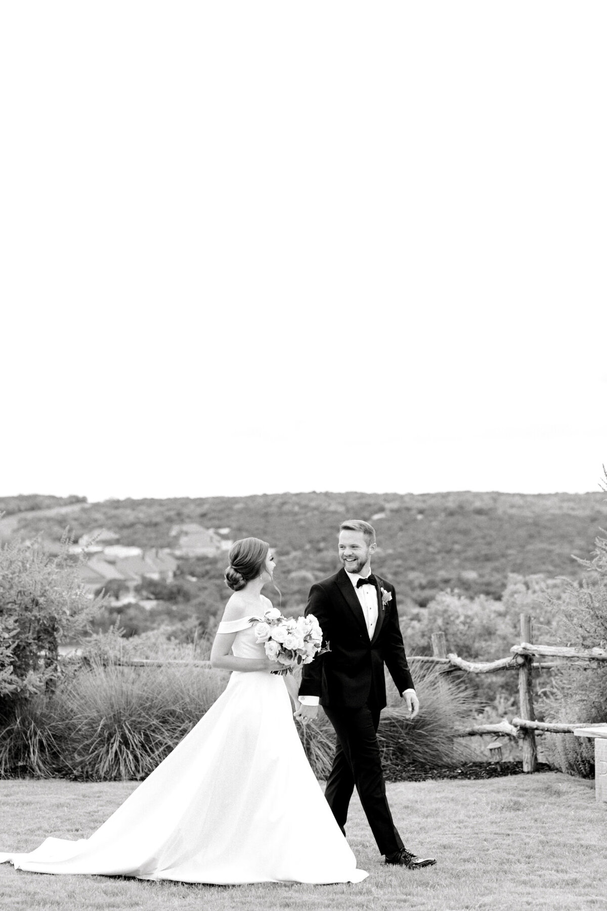 Lexi Broughton & Garrett Greer Wedding at Dove Ridge Vineyards | Sami Kathryn Photography | Dallas Wedding Photography-79