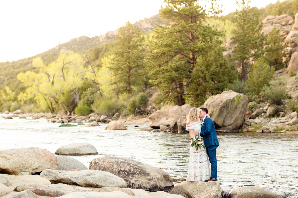 lindsey-taylor-photography-surf-hotel-buena-vista-colorado-destination-wedding-photographer49