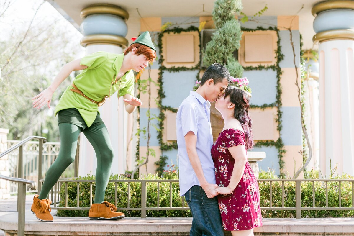 Disneyland-Engagement-Session-0004