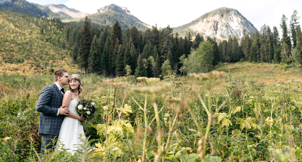 autumn emerald lake lodge wedding photos