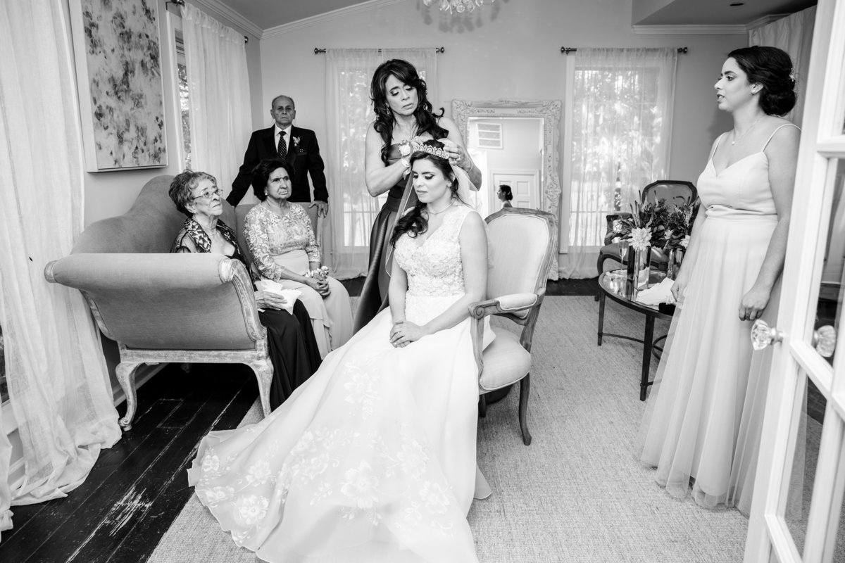 Austin wedding photographer addison grove wedding photographer mother putting on crown