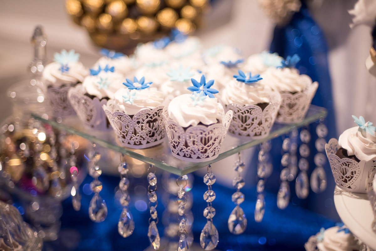 Wedding decorations, cupcakes
