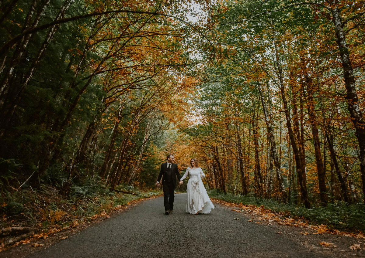 mount-hood-mountain-cabin-woods-elopement-forest-oregon-pnw-wedding-photographer0144