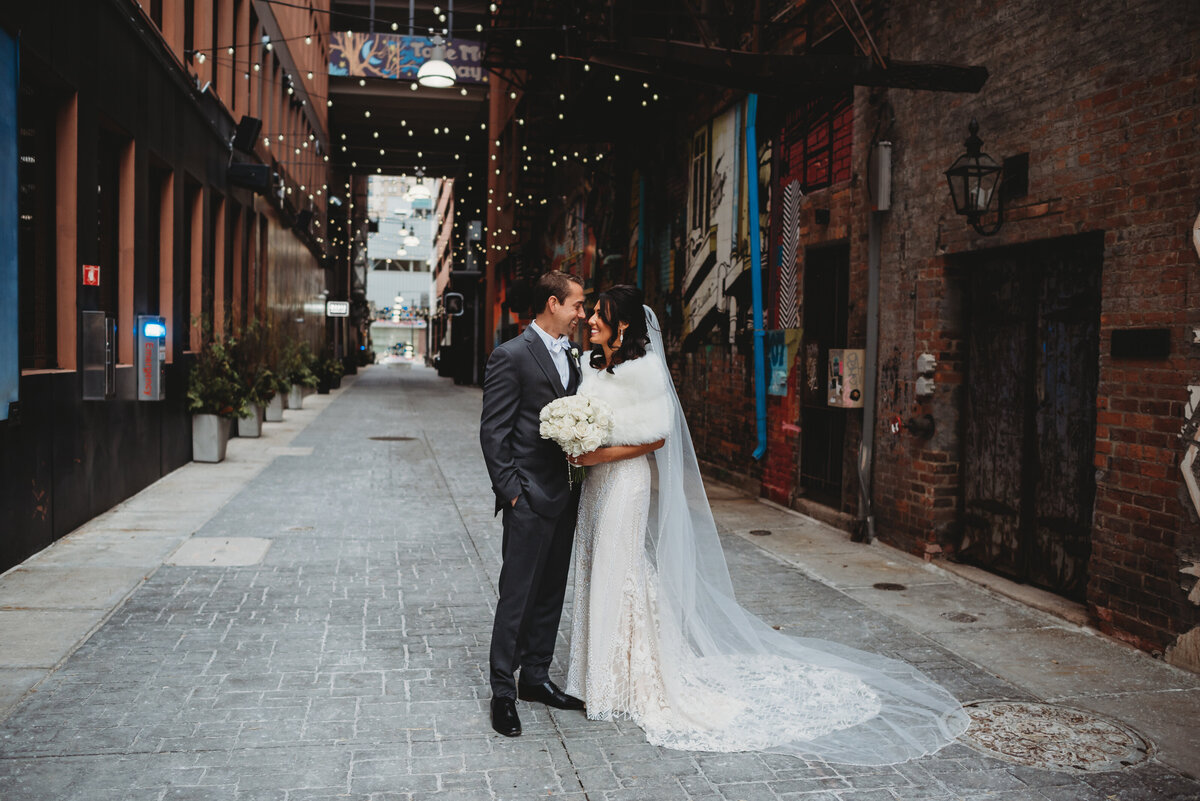 eastern-marketwedding-pictures-detroit-wedding-pictures-city-wedding-pictures-detroit-wedding-photographer-girl-with-the-tattoos-wedding-photographer-michigan-wedding-photographer-wedding-party-pictures-4