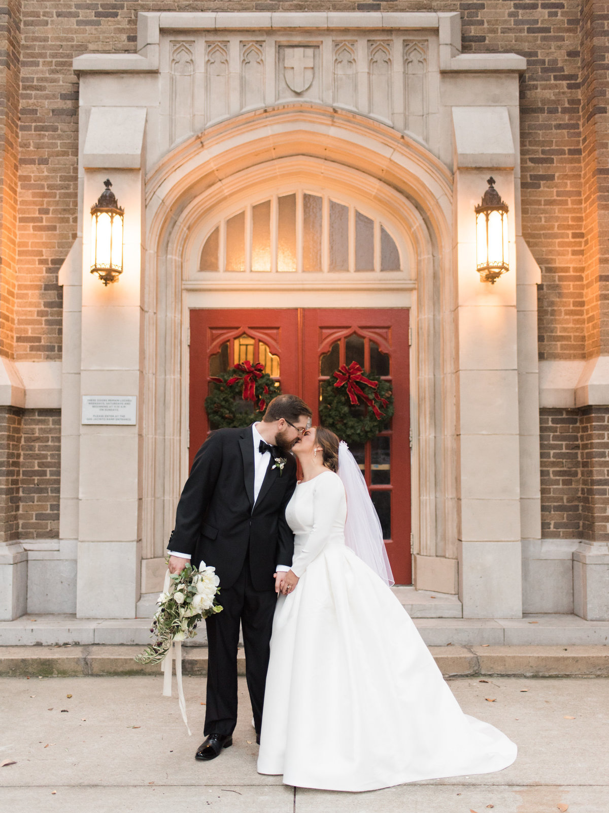 Courtney Hanson Photography - Festive Holiday Wedding in Dallas at Hickory Street Annex-0227