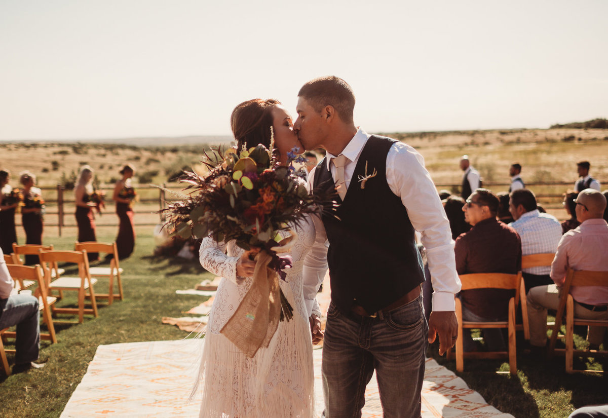 texas-ranch-wedding-native-roaming-144