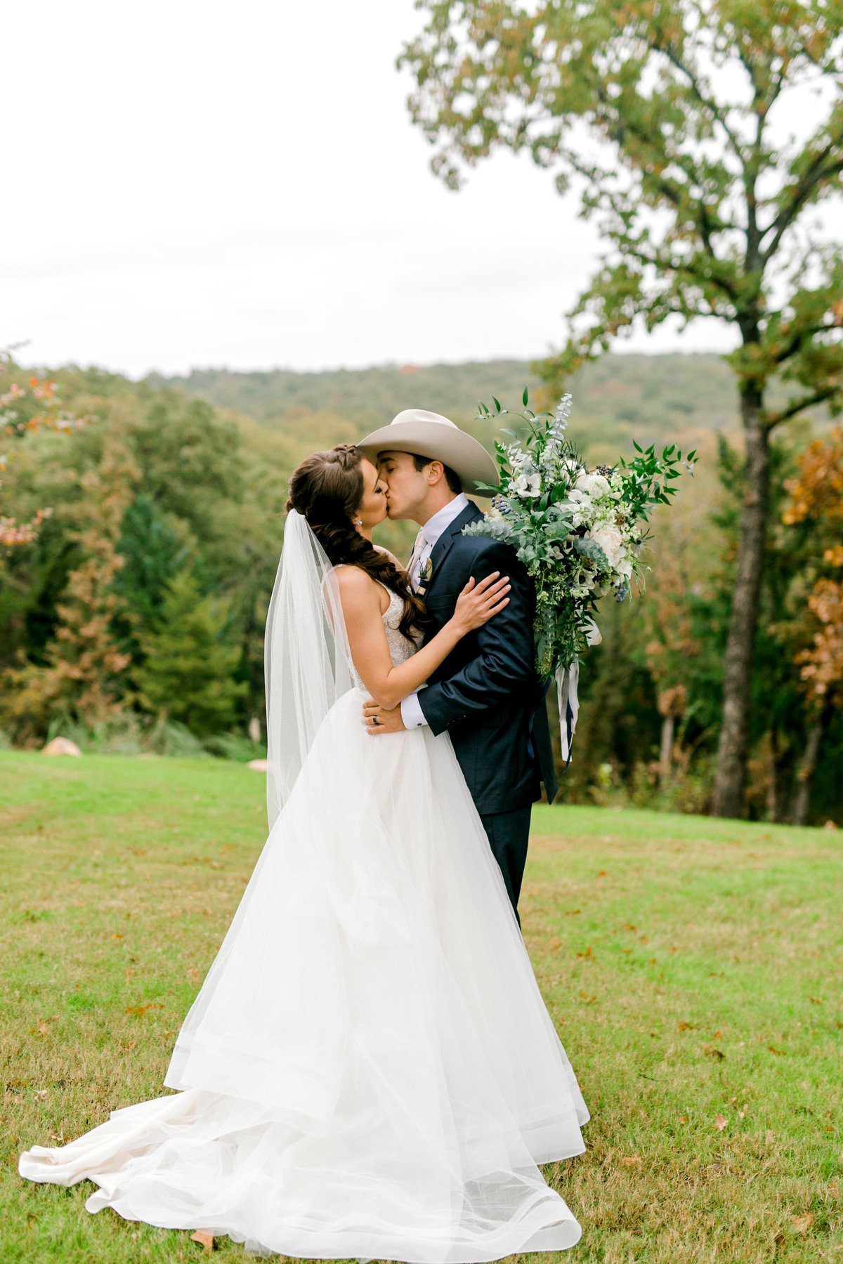 Hailey-and-Christian-Wedding-Day-by-Emily-Nicole-Photo-298