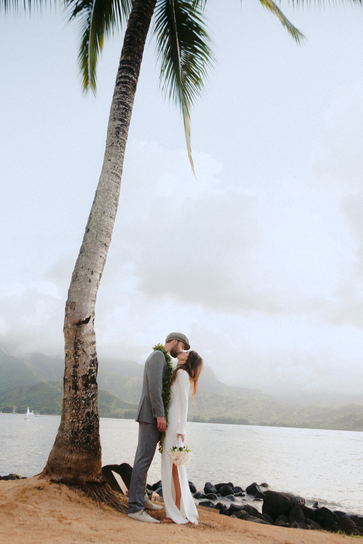 creative_modern_kauai_wedding_photographer_3