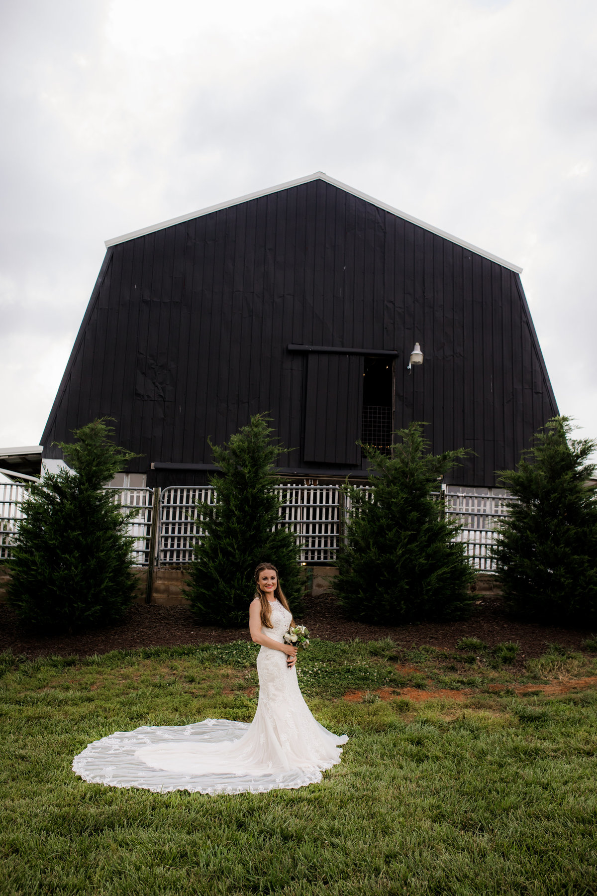 Nsshville Bride - Nashville Brides - The Hayloft Weddings - Tennessee Brides - Kentucky Brides - Southern Brides - Cowboys Wife - Cowboys Bride - Ranch Weddings - Cowboys and Belles053