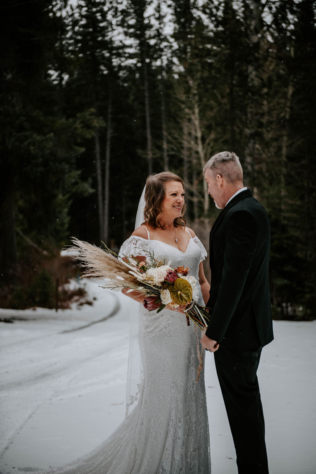 suttle-lake-sisters-oregon-lodge-woods-vow-renewal-photographer-wedding-elopement-2665