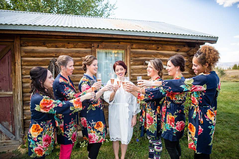 granby-colorado-Strawberry-Creek-Ranch-Wedding-Ashley-McKenzie-Photography-tropic-meets-mountain-wedding-colorful-bridesmaids-getting-ready