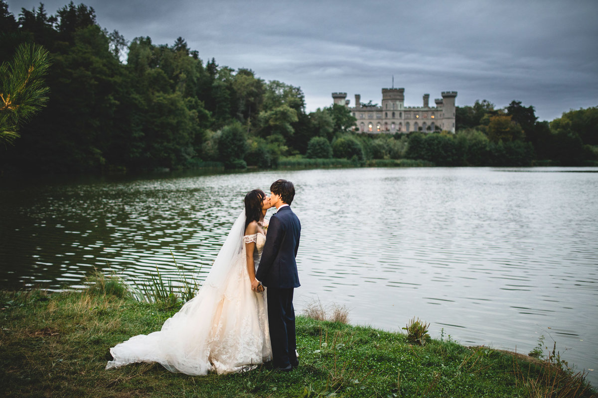 eastnor-castle-wedding-photos-430