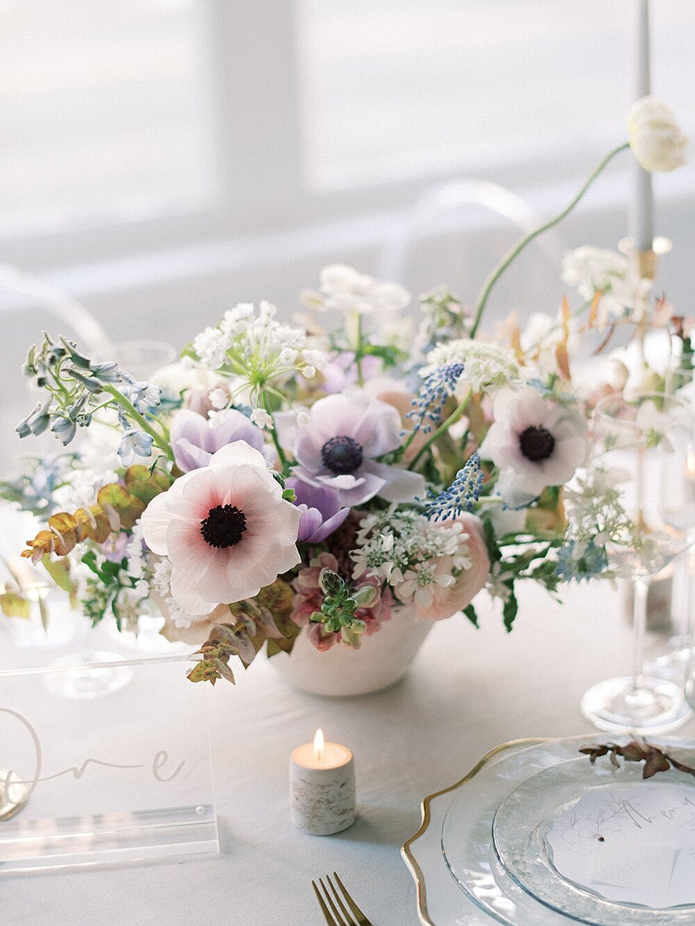 Modern-love-event-leigh-and-mitchell-spring-wedding-flower-centerpieces